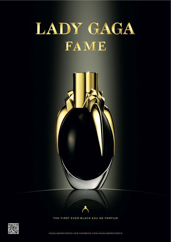 """""""First of its kind, this perfume is an innovation in fluid technology. It's black like the soul of fame, but invisible once airborne.""""  That's the inscription on the box & I have to say, the concept amuses me!"""