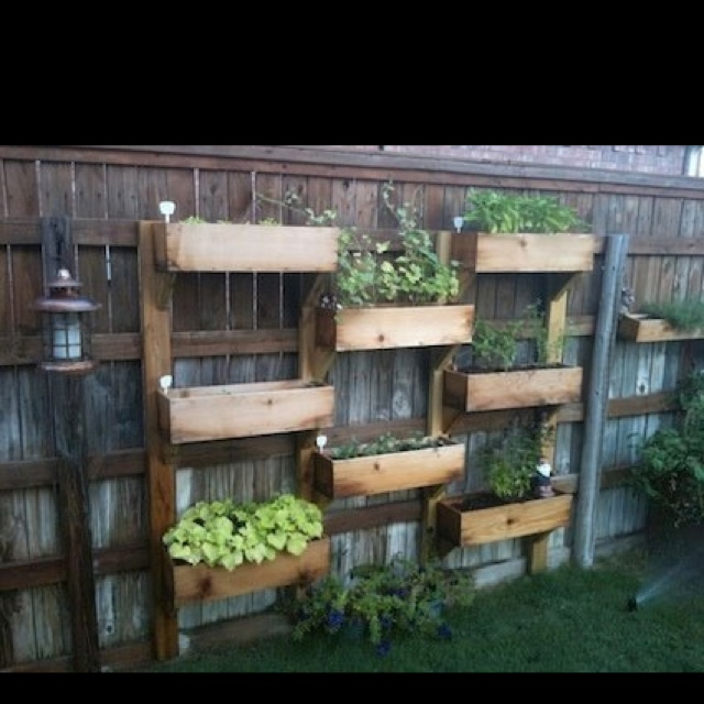 Herb Garden On Fence: 25 Ideas For Decorating Your Garden Fence