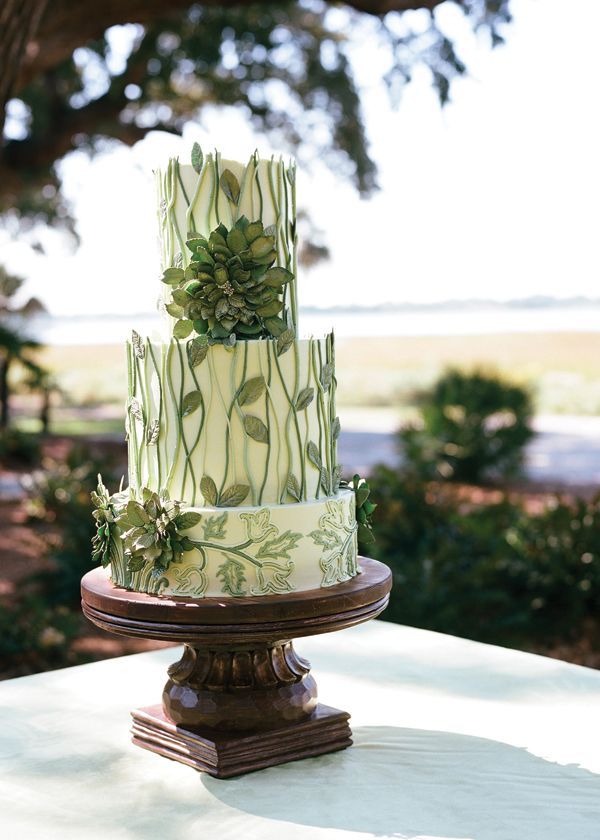 A pretty green wedding cake that's almost too cute to eat!