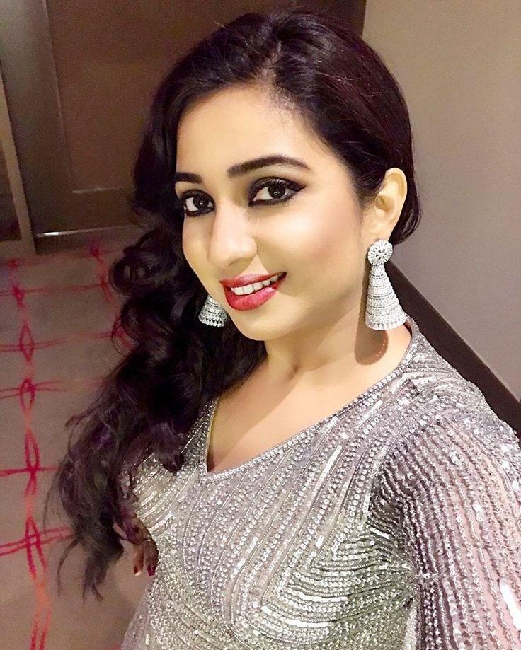 Beautiful Indian Singer Shreya Ghoshal Unseen Photo Shoot
