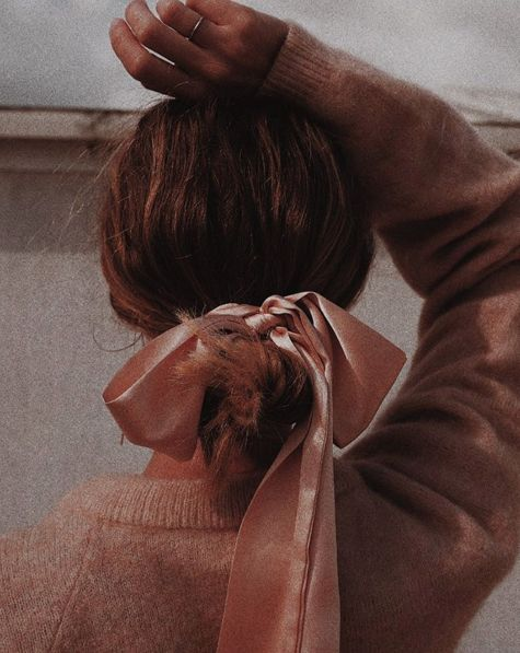 shades of brown, hair and ribbon