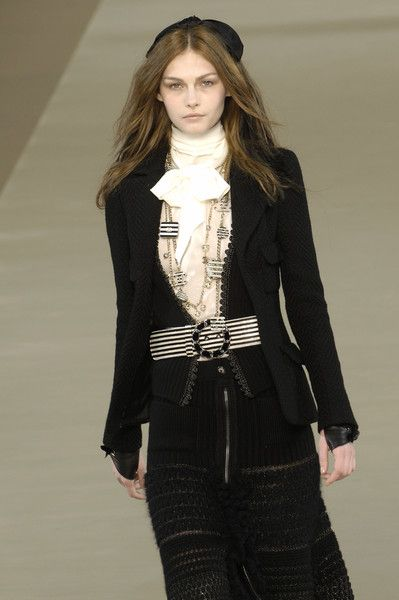 Chanel - Fall 2006 - Ready to Wear