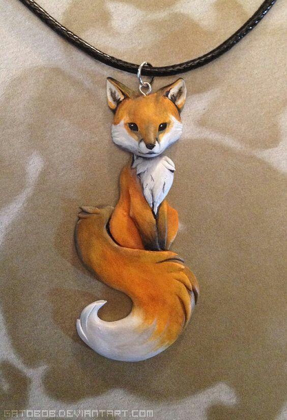 https://gatobob.deviantart.com/art/Red-Fox-Necklace-484556682