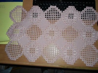 """HARDANGER NEW BEAUTIFUL HANDCRAFTED tabel runner rose 21"""" x 13.5 """""""