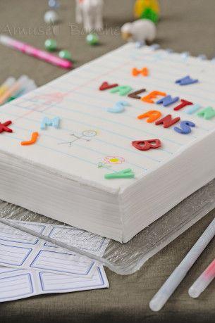 DIY Notebook Cake pour une réunion de mono spéciale rentrée