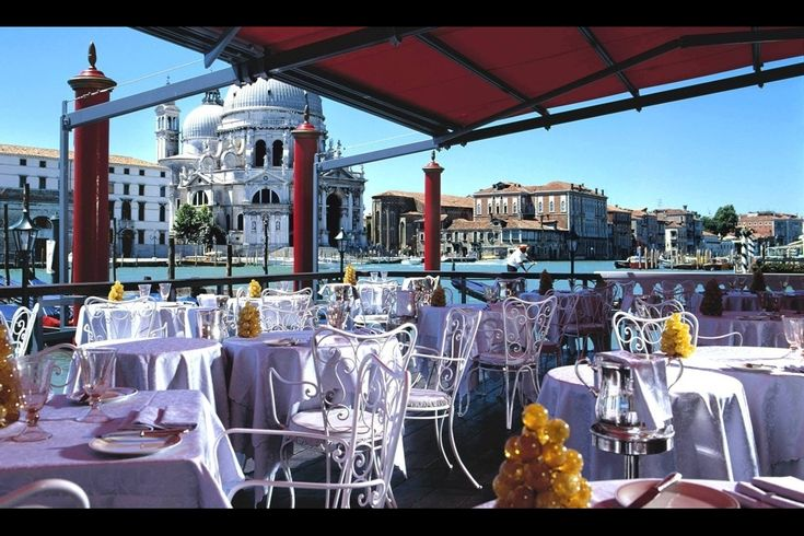 Hotel Bauer Il Palazzo San Marco, 1413/d, 30124 Venezia, Italy +39 041 520 7022 You can't mistake the BAUERs L'Hotel and Il Palazzo. Its distinctive 1940's facade with luminous Art Déco windows is poised between land and sea, framed by … Continue reading →