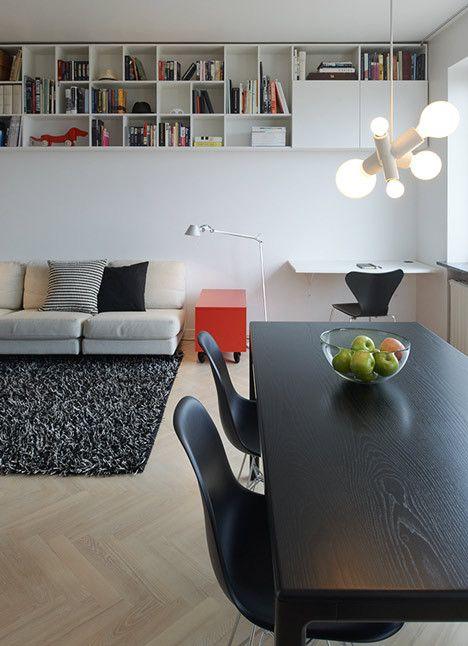 Studio la ultimul etaj⎜Vorbind Despre⎜ O renovare care a permis crearea unui spațiu interior deschis integrat cu peisajul urban exterior.