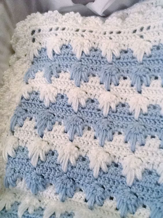 Free English Baby Crochet Patterns : 1000+ images about Crocheted Blankets on Pinterest