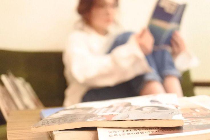 後輩のこにお願いして撮らせてもらいました  #妄想シリーズ 家にかえると読書夢中な彼女 #オフショット #福山市 #福山 #福山市ヘアサロン #ヘアサロン #美容院 #美容室  #allianzcanal #アリアンツキャナル  #スタイリスト
