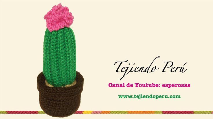 Cactus con flor grande tejido en crochet (amigurumi)