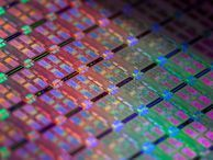Intel launches new Atom processors, touts mobile wins The chip giant says during Mobile World Congress that it's making real progress in mobile and that it has signed new agreements with Lenovo, Asus, Dell, and Foxconn.