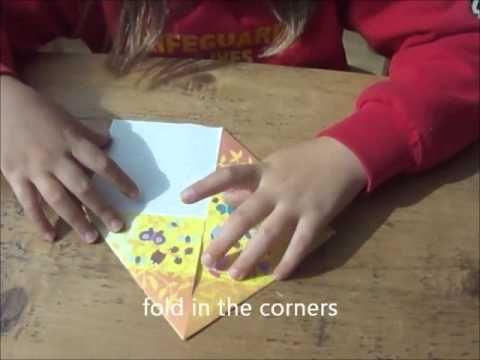 Hogyan hajtogassunk madarat színes, gyönyörűen kivitelezett, változatos Djeco origami papírból?  http://www.kocoska.hu/mesebolt/kreativ/origami-mozaik/djeco-origami-csiki-csuki.html