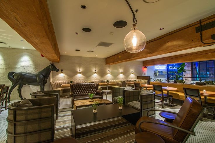 The Loft at Earls, Yaletown  Relaxed, lounge style seating, great for a cocktail style recpetion