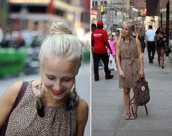 H&M Dress, Rewind And Play Again Blog Jewellery, Fjällräven Bag, Vagabond  Shoes