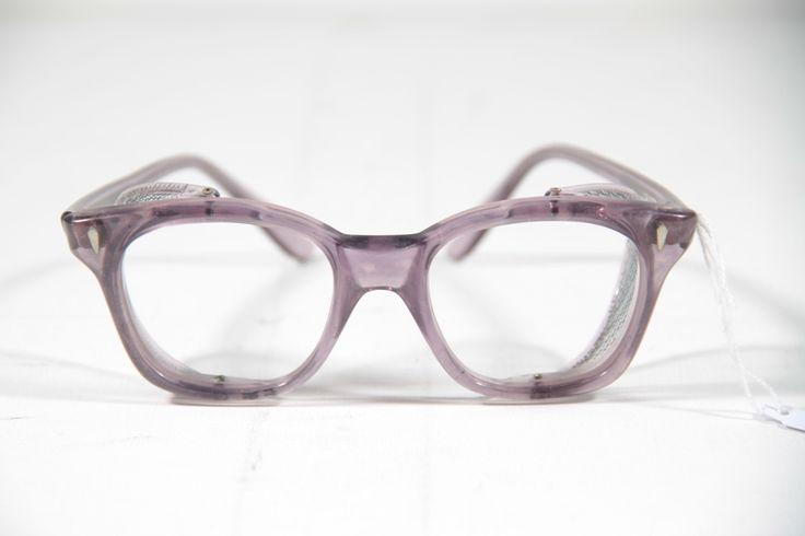 MISURE e DIMENSIONI dei nostri occhiali VINTAGE preferiti!  http://www.lefashion.it/2013/10/come-leggere-le-misure-su-inserzioni-di-occhiali-online/