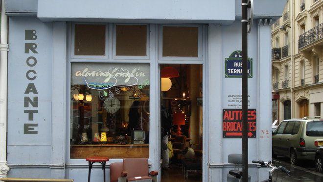 Brocantes A Paris Le 11e Arrondissement Une Mine D Or Pour Chiner Boutique Deco Paris Paris Et Paris Arrondissement