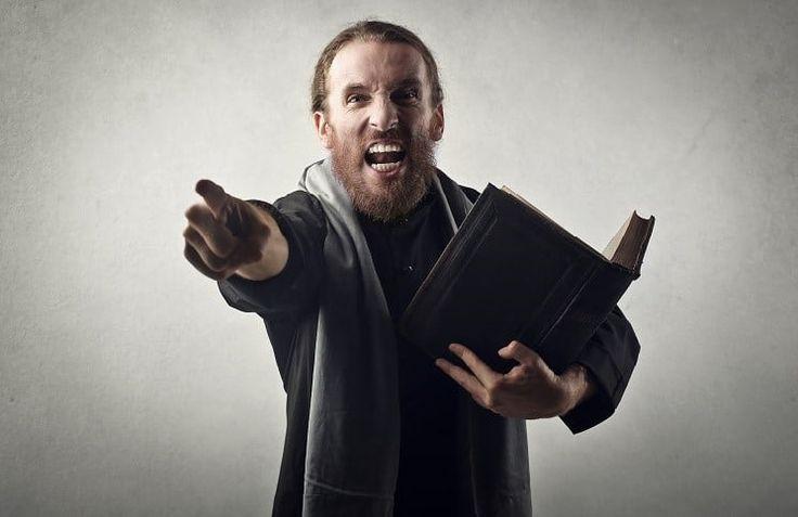 Вы когда-либо переживали отвержение, после того как поделились с кем-то своей верой? Возможно, над вами посмеялись. А может быть, вам вежливо ответили, что это не для них или сказали, что подумают об этом позже. Что вы делаете в таких случаях? Когда вы делитесь с кем-то своей верой и человек отказ