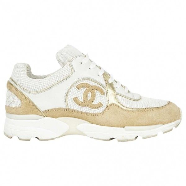 Sneakers CHANEL ($618) ❤ liked on Polyvore featuring shoes, sneakers, white shoes, golden shoes, chanel, canvas sneakers and golden sneakers