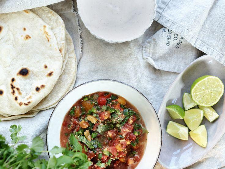 Hjemmelagde tacolefser, super rømmedressing og salsa