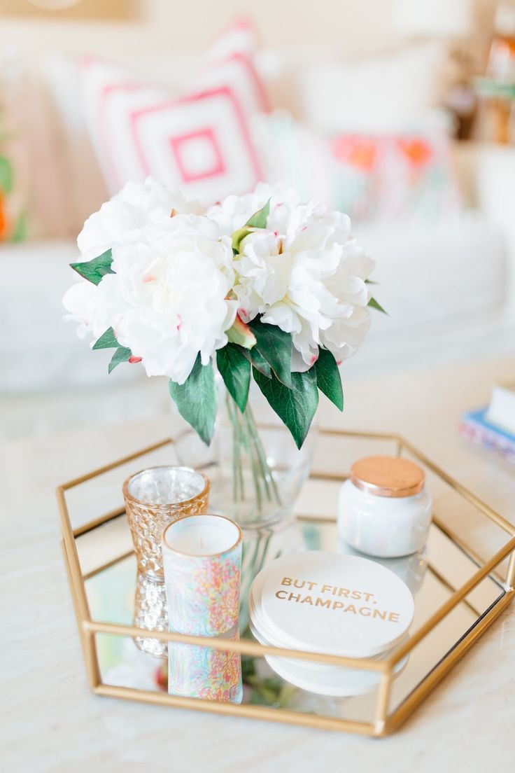 I am so excited to finally share my apartment tour with y'all! My friend Emma over at E...