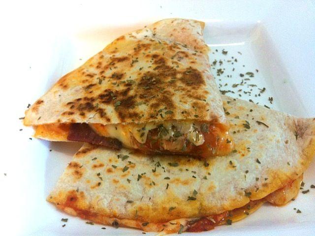 レシピとお料理がひらめくSnapDish - 18件のもぐもぐ - Jorge's Pizzadilla by Jorge Bernal Márquez