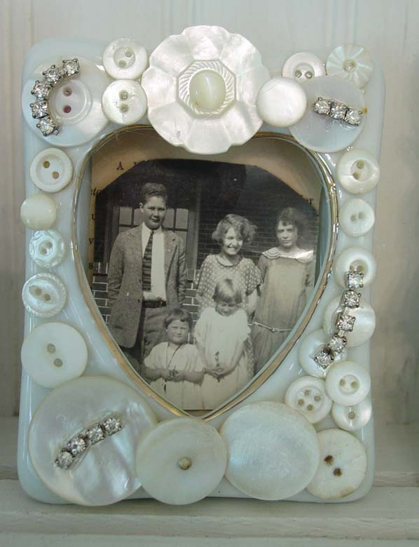 To Do: Teeny button frame...use Grandma's buttons to decorate frame for vintage family photos. So delicate and sweet