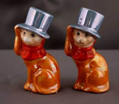 Pair of Noritake Cats in Hats salt and pepper shakers.