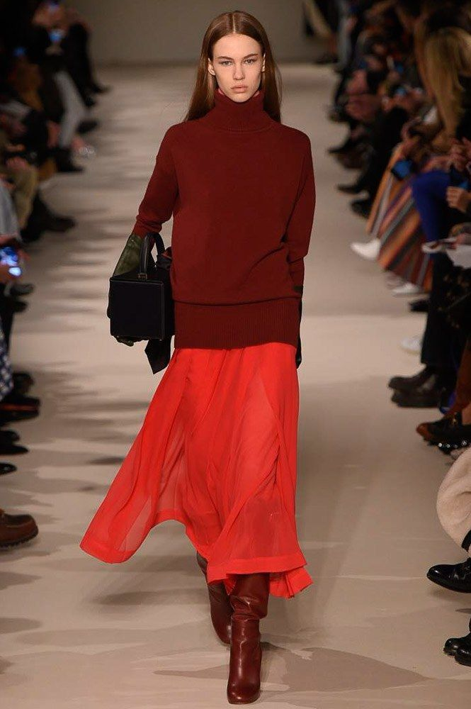 See the complete Victoria Beckham Fall 2017 Ready-to-Wear collection.