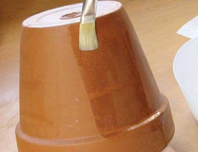 How to Make a Mosaic Pot-  http://www.freshhomeideas.com/diy-projects/tile-projects/how-to-make-a-mosaic-pot