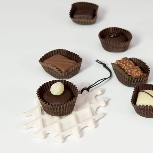 chocolate time with a small NEOLA waffle by Arago Design