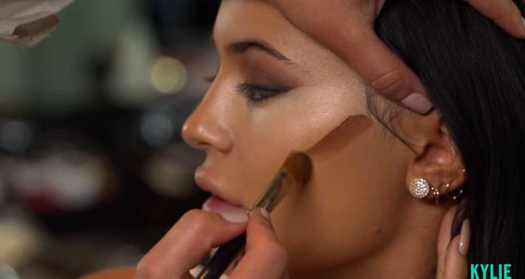8 Genius Hacks From Kylie Jenner's Birthday Beauty Video Tutorial