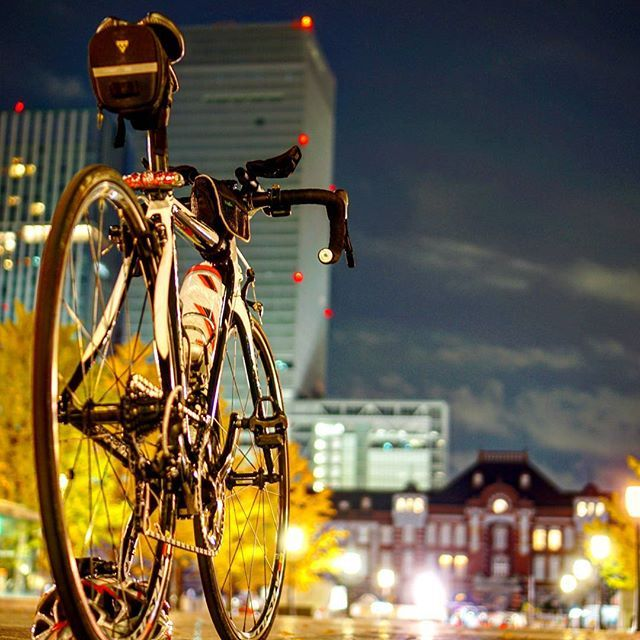 Instagram【konan.grounders】さんの写真をピンしています。 《. No.125 Tokyo Station . 銀杏があった季節 . 東京駅…東京タワーと同じ位、深夜の光景に惹かれた場所の一つ✨ . あと、東京駅、横浜駅はいつも工事中なイメージいつか工事完了後に正面から撮ってみたい . . . #nightshooters #night_captures #cyclist #cyclinglife #cyclingphotos #cyclingshots #instaphotography #roadcycling #tokyostation #station #キャノンデール #東京駅 #駅 #風景 #夜景 #ロードバイク #ポタリング #サイクリング #自転車 #자전거 #自転車のある風景 #ミラーレス #ミラーレス一眼 #a6000 #α6000 #カメラ初心者 #ぼっちライド #過去pic #20161230 #Konan_Cannondale》