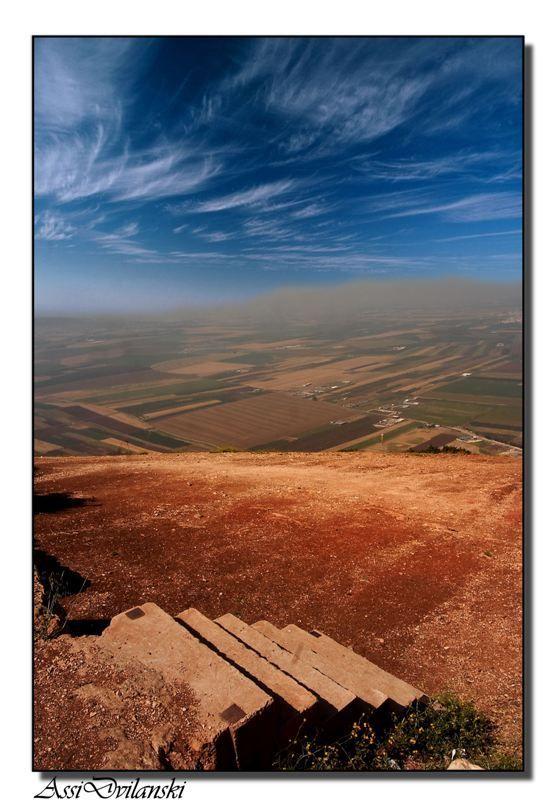 Se cree que el Monte Tabores el sitio de la Transfiguración de Jesús y de la batalla entre Barak y el ejército de Jabin, comandado por Sisera. (Wikipedia) Lo que es cierto es que desde su cima la …