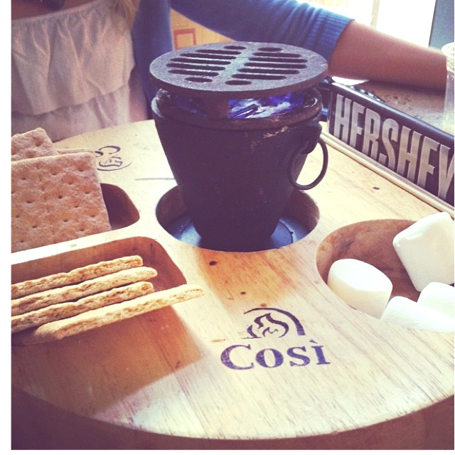 S'mores! Whhaaaa I want thisCreative Inspiration Ideas, Ohhh Myyyy, Favorite Things, Dreams House, Summer Fun, Quiero Despertar, Despertar Aquí, Hodge Podge, Awesome Stuff