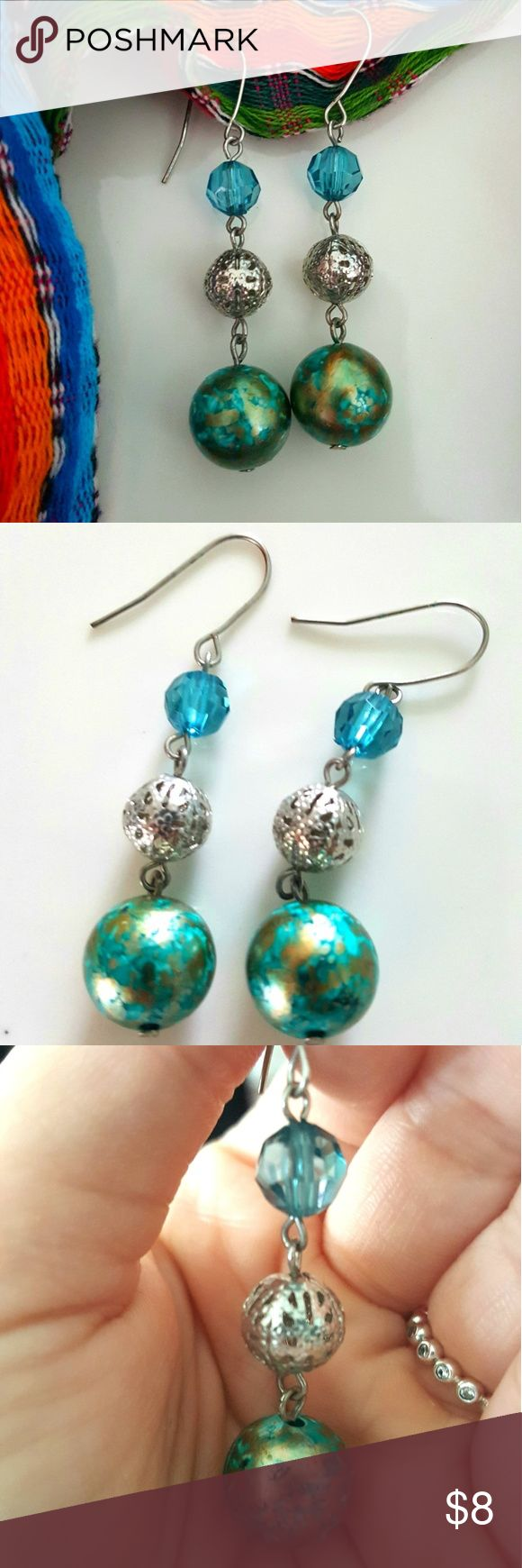Beautiful Teal And Silver Colored Earrings