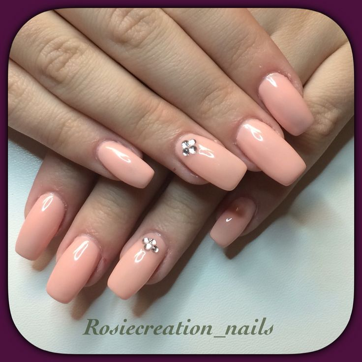 Soft and elegant gel nails