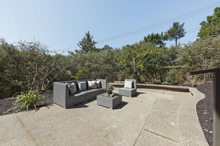 Lots of level patio area .... unusual for this part of Oakland.  Views, level yard, lots of parking... everything you need.