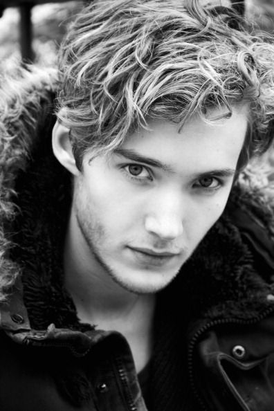 Toby Regbo #romancingthejoan Yup I think he's cute :) + I'm team Francis all the…