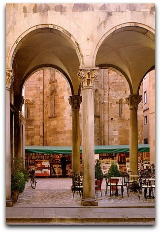 ARCHES CAFFE - LUCCA, ITALY
