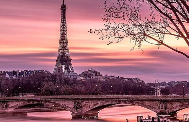 Amazing shot from @lafleurwander 😍 good morning/good night dear followers! . . . . . #paris #france #france🇫🇷 #法國 #巴黎 #フランス #パリ #francia #frankreich #파리 #프랑스  #prancis #frankrijk #فرانسه #frança #франция #парис #ฝรั่งเศส #ปารีส #fransa #pháp #photo #photooftheday #picoftheday #eiffeltower #sunset #sunsetlovers #日没 #日落 #coucherdesoleil
