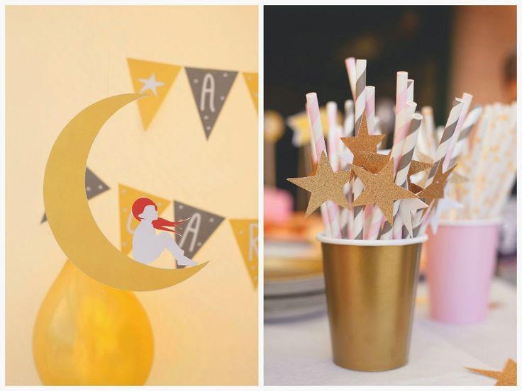 Estrellas y dorado !!! Una fiesta para princesas. Fuente : Alice's adventure in wonderland
