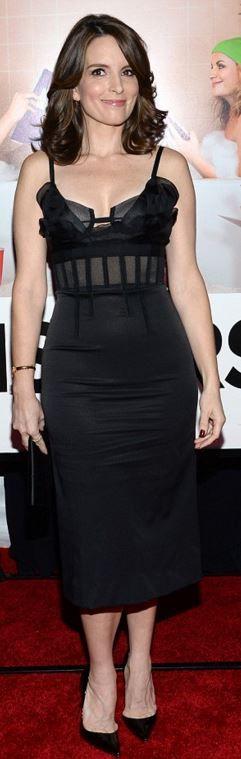 Tina Fey: Dress = Oscar de la Renta  Shoes – Christian Loubutin