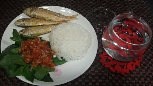 Nasi  ikan asin & sambal kemangi