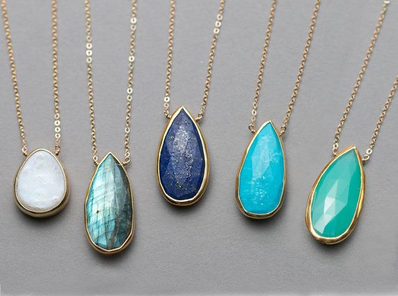 Hey, I found this really awesome Etsy listing at https://www.etsy.com/listing/189663010/luxurious-gemstone-necklace-gold-framed