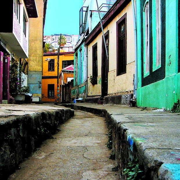 World's 10 most colorful cities - Valparaiso, Chile