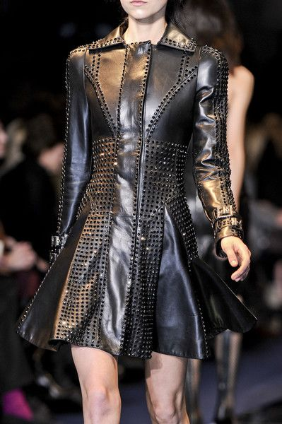 Versace Fall 2012 - Details Rings Armors,  Chains Armours,  Chains Armors, Chains Mail, Fall 2012,  Rings Mail, Fall Fashion,  Rings Armours, Versace Fall
