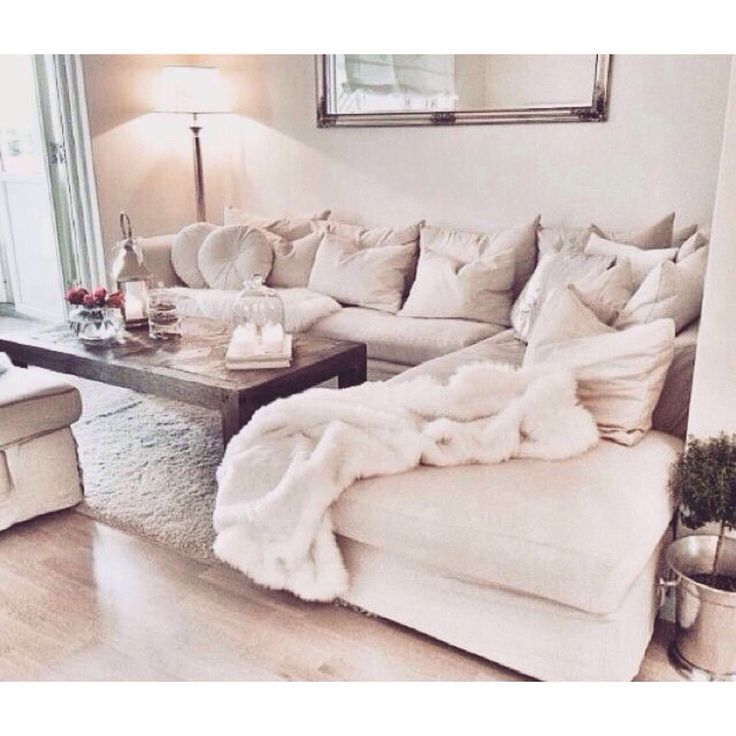 White Comfy Chairs