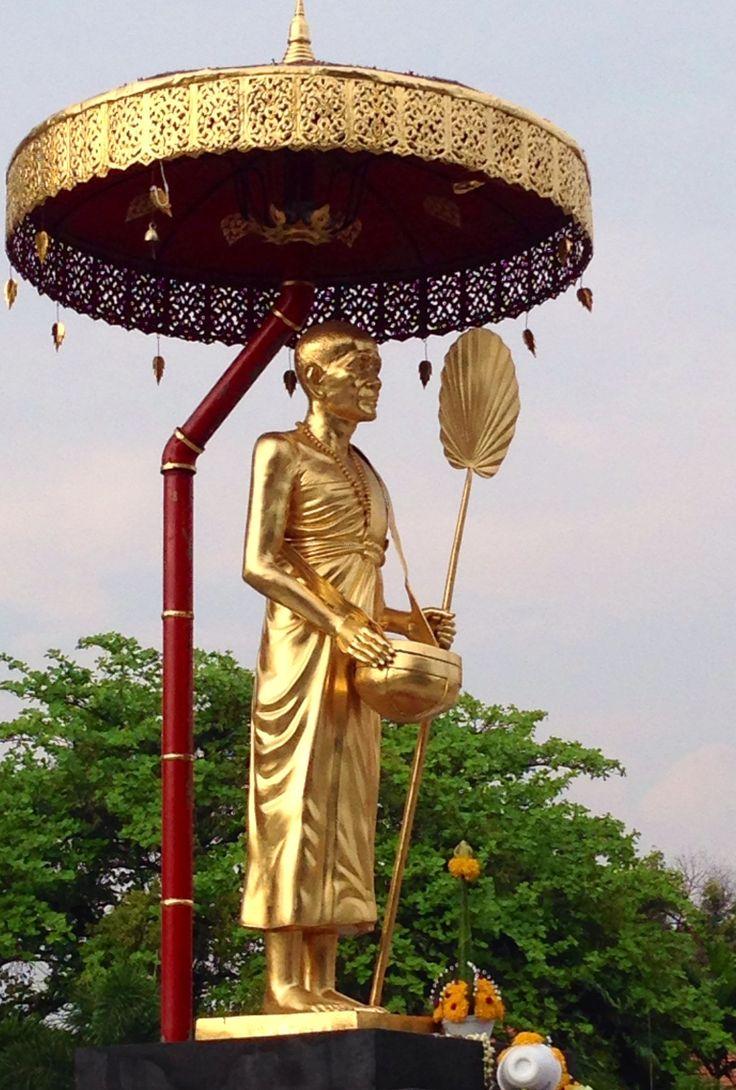 Statue - Wat Phra Singh temple