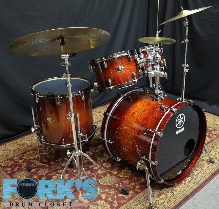 Yamaha Live Custom 4pc drum set 10 12 16 22