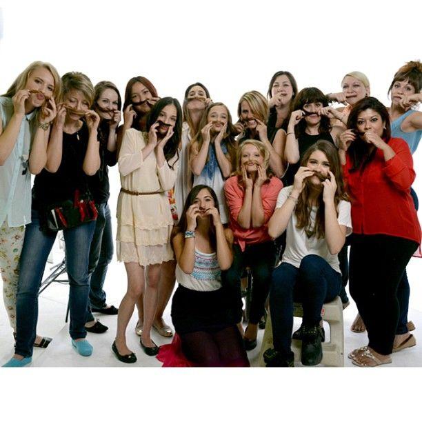 Have a good Movember everyone from the Trendiy Art team! Passer un beau Movember de la part de toute l'équipe Trendiy Art!